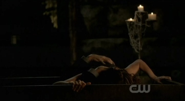 The Vampire Diaries 3x06 Mikael eats Katherine
