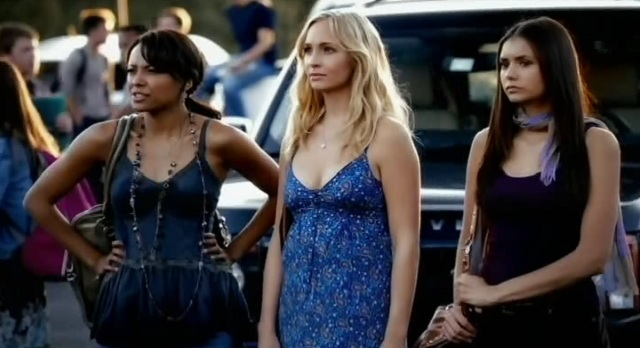 The Vampire Diaries 3x06 Bonnie Caroline and Elena at school