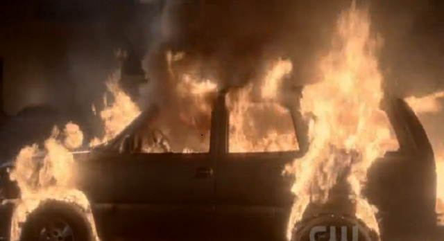 The Vampire Diaries 3x06 Car on fire