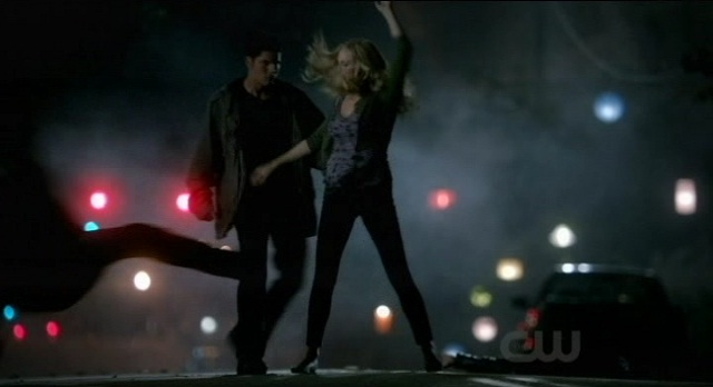 The Vampire Diaries 3x07 Caroline kicks some vampire butt