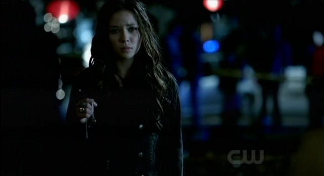 The Vampire Diaries 3x07 Anna has the necklace