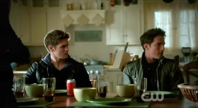 The Vampire Diaries S3 x 10 Jeremy and Tyler