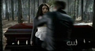 The Vampire Diaries S3x12 - Klaus moves in on Bonnie
