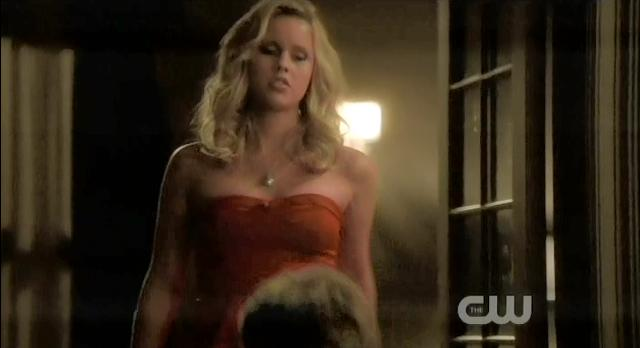 The Vampire Diaries S3x13 Rebekah stabs Klaus
