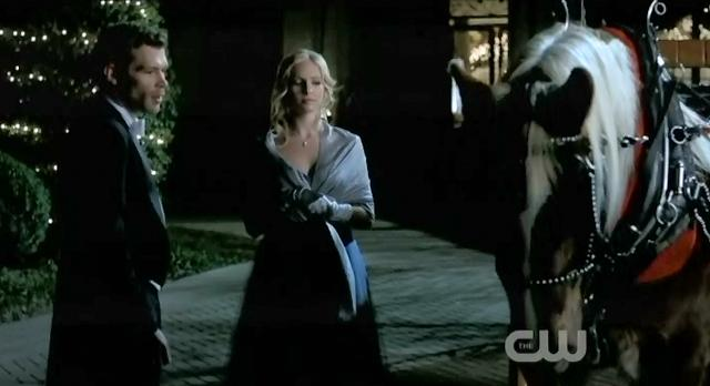 The Vampire Diaries S3x14 Caroline and Klaus by carriage