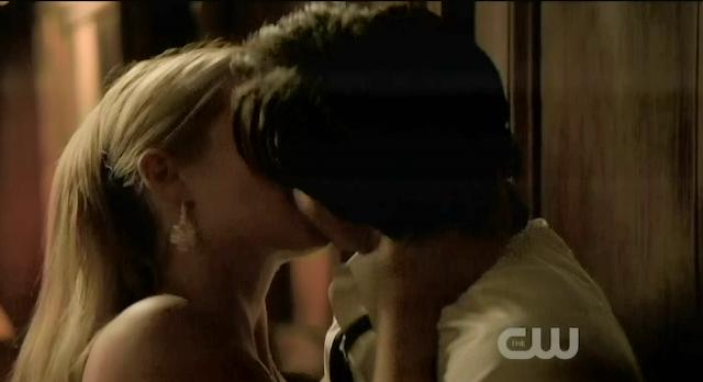 The Vampire Diaries S3x14 Damon and Rebekah making out