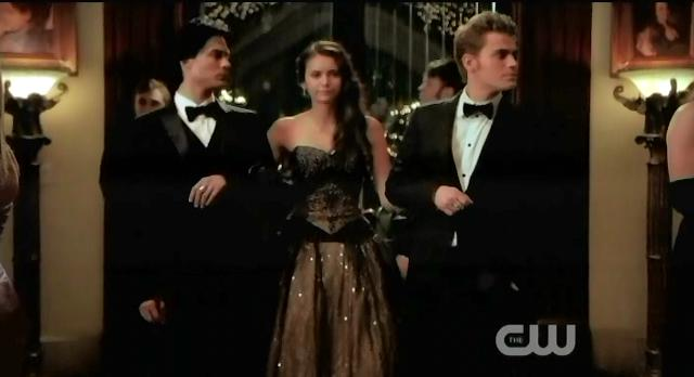 The Vampire Diaries S3x14 Elena walks arm in arm with Salvatore brothers