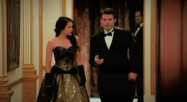 The Vampire Diaries S3x14 Elijah asks Elena to let him know what Esther wants
