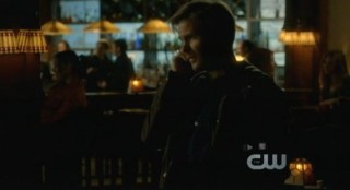 The Vampire Diaries S3x15 - A call to Alaric at the bar