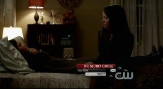 The Vampire Diaries S3x15 - Bonnie and Abby seek refuge