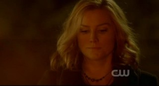 The Vampire Diaries S3x15 - Esther at the pentagram