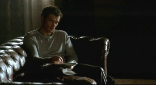 The Vampire Diaries S3x15 - Klaus wants answers from Rebekah