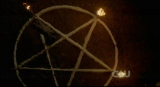 The Vampire Diaries S3x15 - Preparing the pentagram
