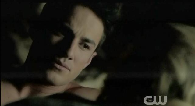 The Vampire Diaries S3x19 Tyler and Caroline talking