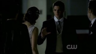 The Vampire Diaries S3x20 - Jeremy bumps into Stefan Damon and Elena discuss to kill or not to kill Alalric