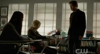 The Vampire Diaries S3x21 Alaric antagonizing Caroline and Elena