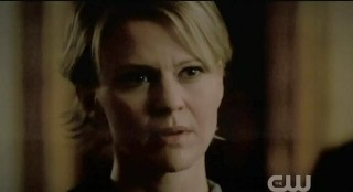 The Vampire Diaries S3x21 Sherrif Liz Forbes being invited to a council meeting by Alaric