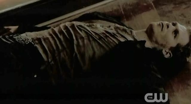 The Vampire Diaries S3x21 Stefan killed Klaus