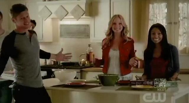 The Vampire Diaries S3x21Bonnie, Caroline, Tyler, Matt, and Jeremy celebrating Klaus' death