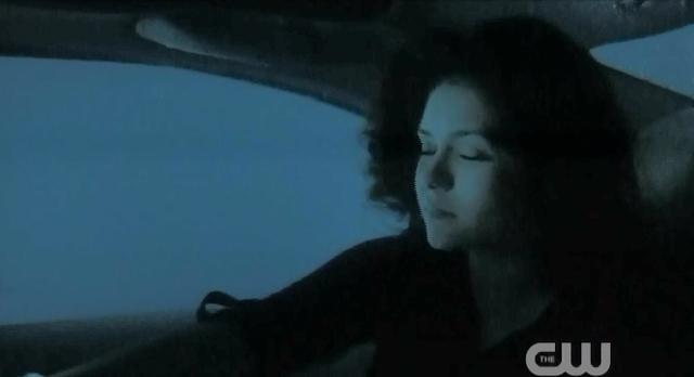 The Vampire Diaries S3x22 Elena underwater