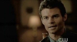 The Vampire Diaries S3x22 Elijah talking to Elena