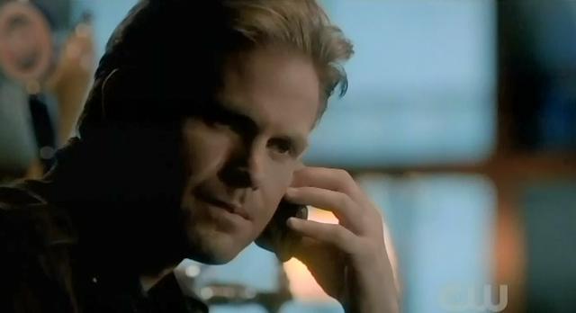 The Vampire Diaries S3x22 Jeremy calling Alaric teliing him where Klaus' body is