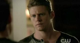 The Vampire Diaries S3x22 Matt talking with Stefan