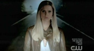 The Vampire Diaries S3x22 Rebekah trying to kill Elena