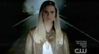 The Vampire Diaries S3x22 Rebekah trying to kill Elena