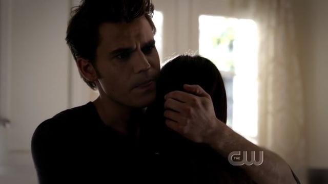 The Vampire Diaries S4x01 - Stephan hugging Elena
