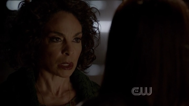 The Vampire Diaries S4x01 - Sheila Bennet warns Bonnie about her new source of power, the darker magic