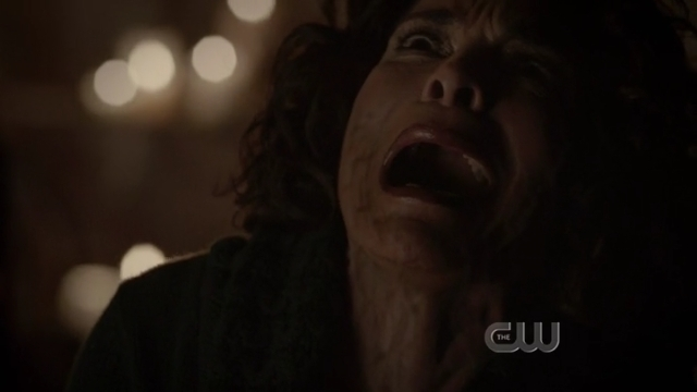 The Vampire Diaries S4x01 - Sheila is cursed or something more weird