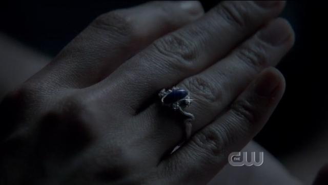 The Vampire Diaries S4x01 - Elena walking under the sun ring