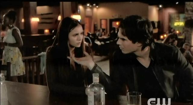 The Vampire Diaries S4 x 2 Elena and Damon at Grill