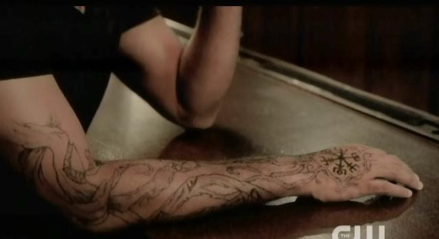 The Vampire Diaries S4 x 2 The vampire hunter's tattoo