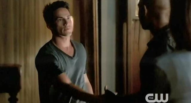 The Vampire Diaries S4 x 2 Tyler and the new vampire hunter