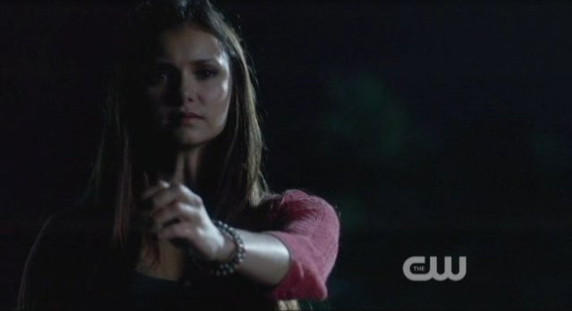 The Vampire Diaries S4x06 - Elena drops her ring of the bridge