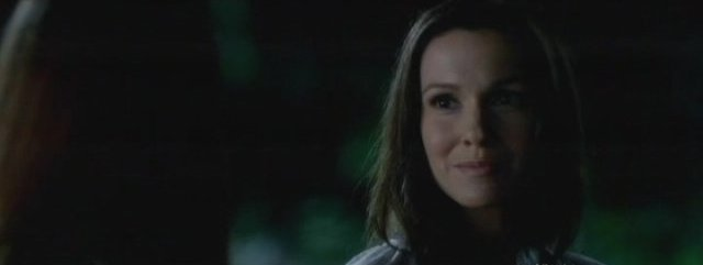 The Vampire Diaries S4x06 - Elena's Mom Miranda Gilbert appears