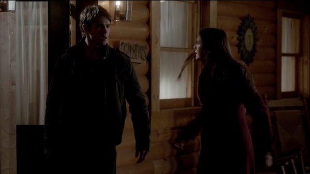 The Vampire Diaries S4x11 - Jer and Elena getting in the Gilbert house