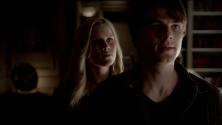 The Vampire Diaries S4x11 - Rebekah tries to dagger her brother