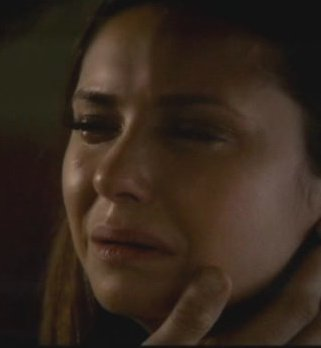 The Vampire Diaries S4x16 - Elena crying in promo lead in