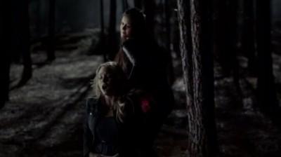 The Vampire Diaries S4x16 - Elena tries to kill Caroline