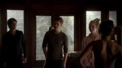 The Vampire Diaries S4x16 - Elena naked right in front of everybody, nothing to be embarrassed about, right?
