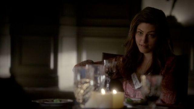 The Vampire Diaries S4x16 - Hayley having dinner at Klaus' house