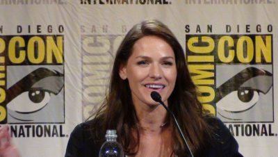 SDCC 2016 Vanessa Helsing portrayed by Kelly Overton!