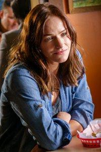 Kelly Overton as Vanessa Van Helsing