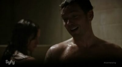 Van Helsing S1x01 Vanessa and Axel shower to save water