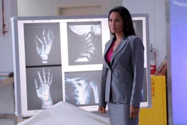 Warehouse 13 S2x09 - Tia Carrere reprising her role as Agent Katie Logan