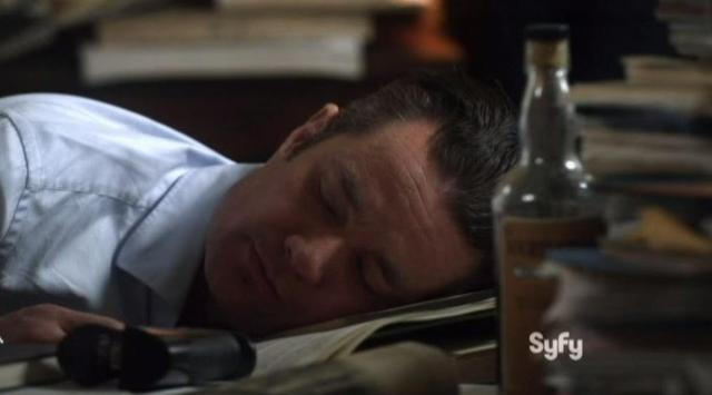 Warehouse 13 S4x11 Professor asleep