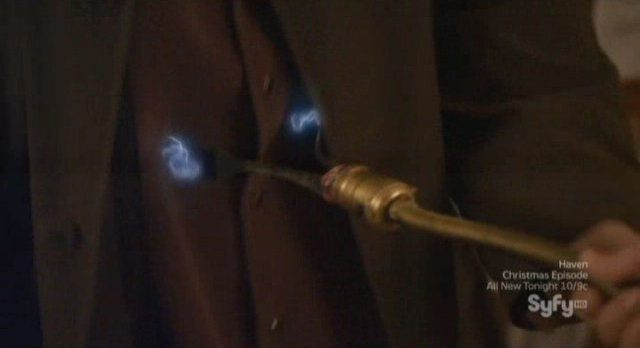 Warehouse 13 S3x13 - Claudias home made cattle prod